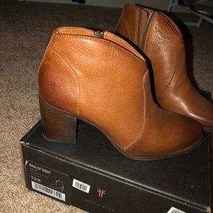 Frye Shoes - Frye Nora short boot - Nora zip short